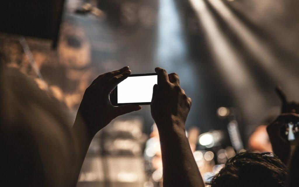 Digital Trends, Facebook Live, Live Streaming